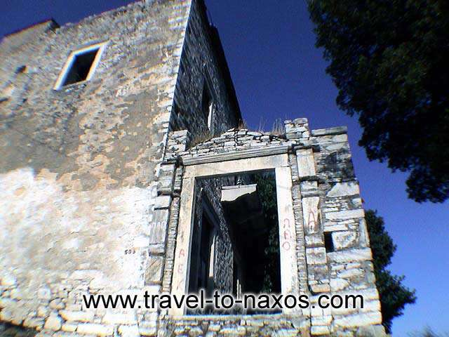 OLD BUILDING - An old building, traditional architecture in Apeiranthos.