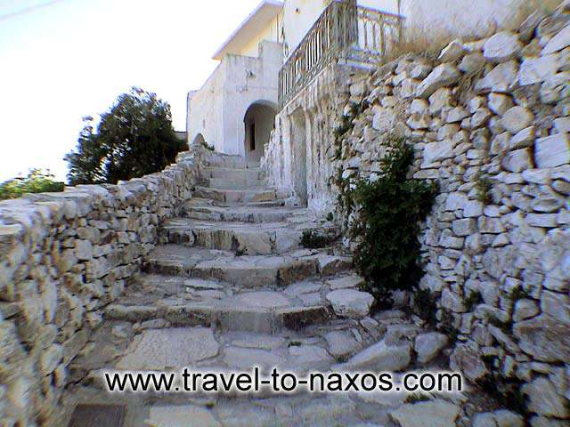 NARROW PATHWAY - Narrow pathway in Apiranthos village.