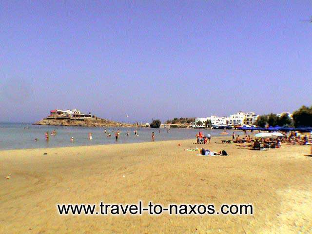 AGIOS GEORGIOS BEACH - Agios Georgios beach lies exactly next to Naxos Chora.