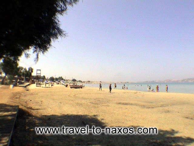 AGIOS GEORGIOS BEACH - Agios Georgios is one of the most cosmopolitan beaches of Naxos.