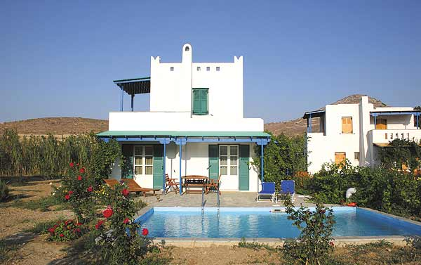 DELONA VILLAS IN  ENGARES