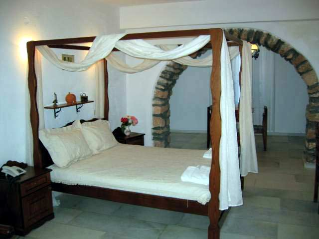 A studio at Anixis hotel in Chora castle CLICK TO ENLARGE