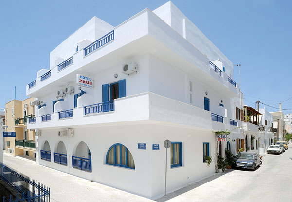 ZEUS HOTEL IN  Agios Georgios, Chora